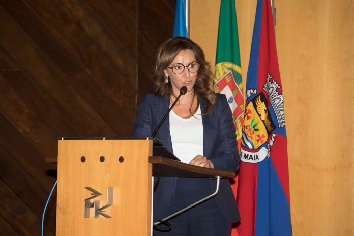 Emília Santos