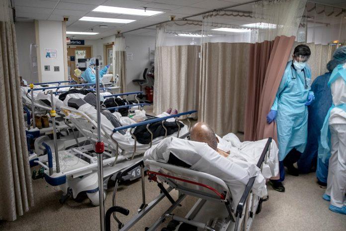 Quase 700 casos de covid no terceiro dia de aumento de doentes graves