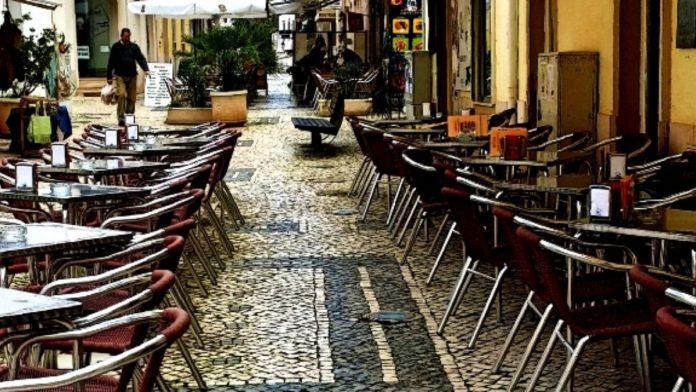 Restaurantes com esplanada abrem em 05 de abril e os restantes duas semanas depois
