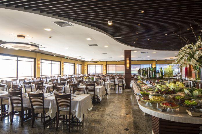 Restaurantes e cafés podem abrir serviço no interior a partir de segunda-feira