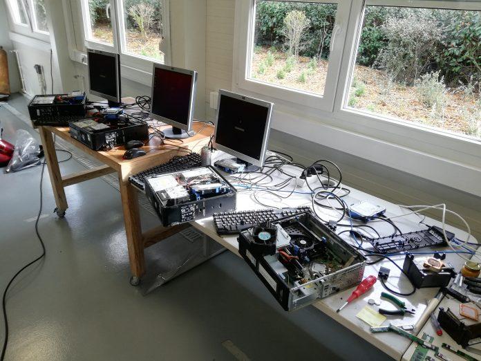 LIPOR repara equipamentos informáticos sem uso para doar a alunos
