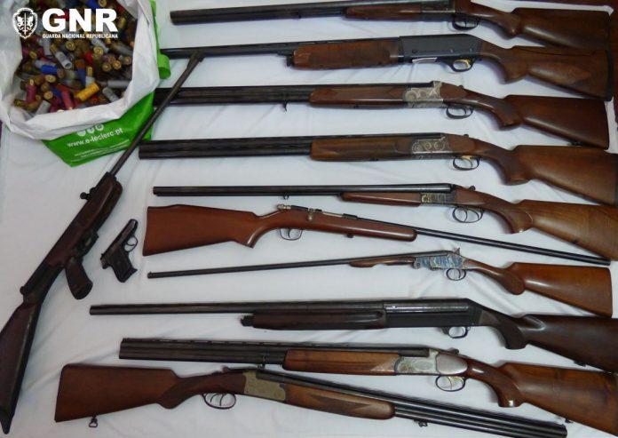 Agressor em processo de violência doméstica tinha 12 armas