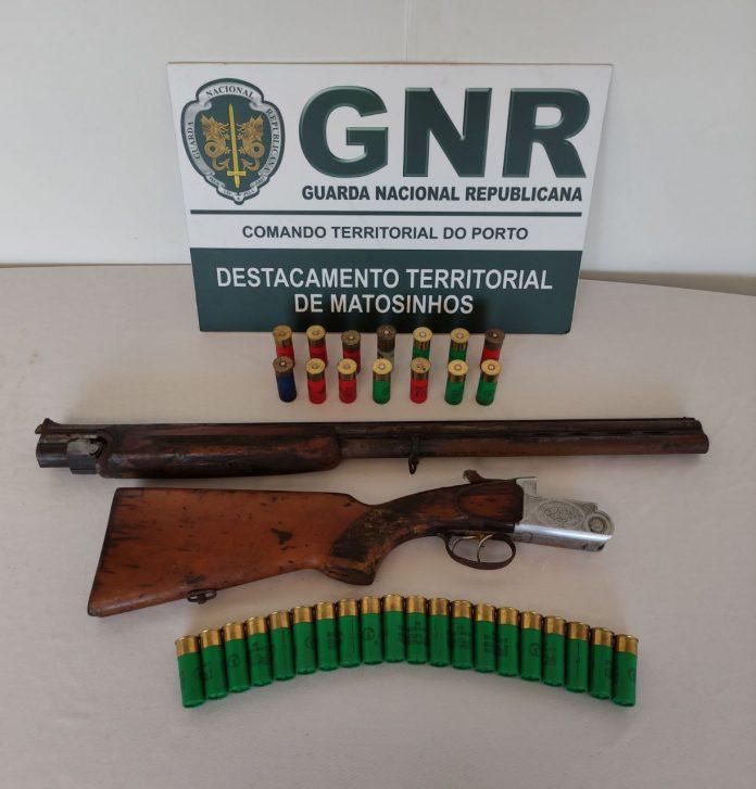 GNR apreende arma ilegal a idoso de 74 anos
