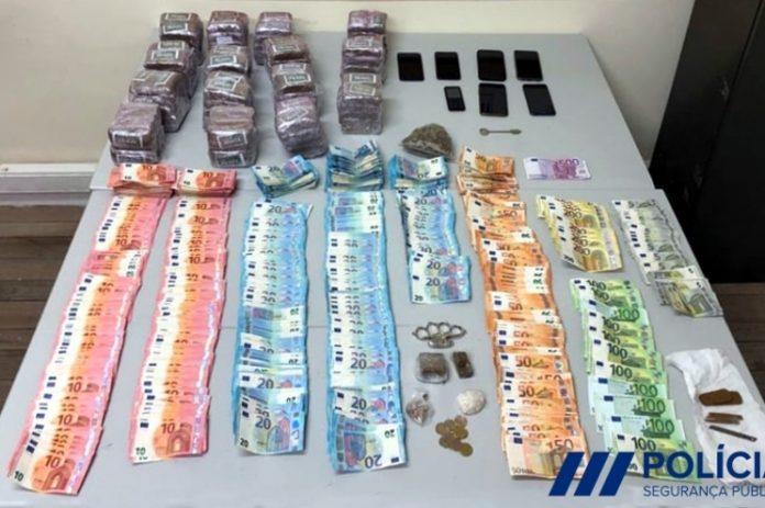 PSP apreende 23 quilos de droga e uma metralhadora a traficantes no Porto