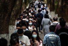 China aprova três filhos por casal